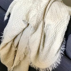Urban Outfitters - Cream Blanket Scarf